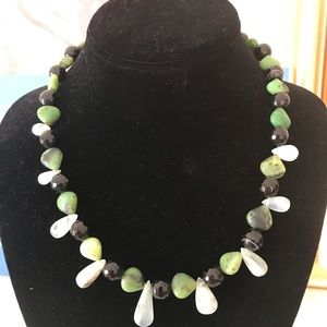 Black onyx and chrysoprase beaded necklace